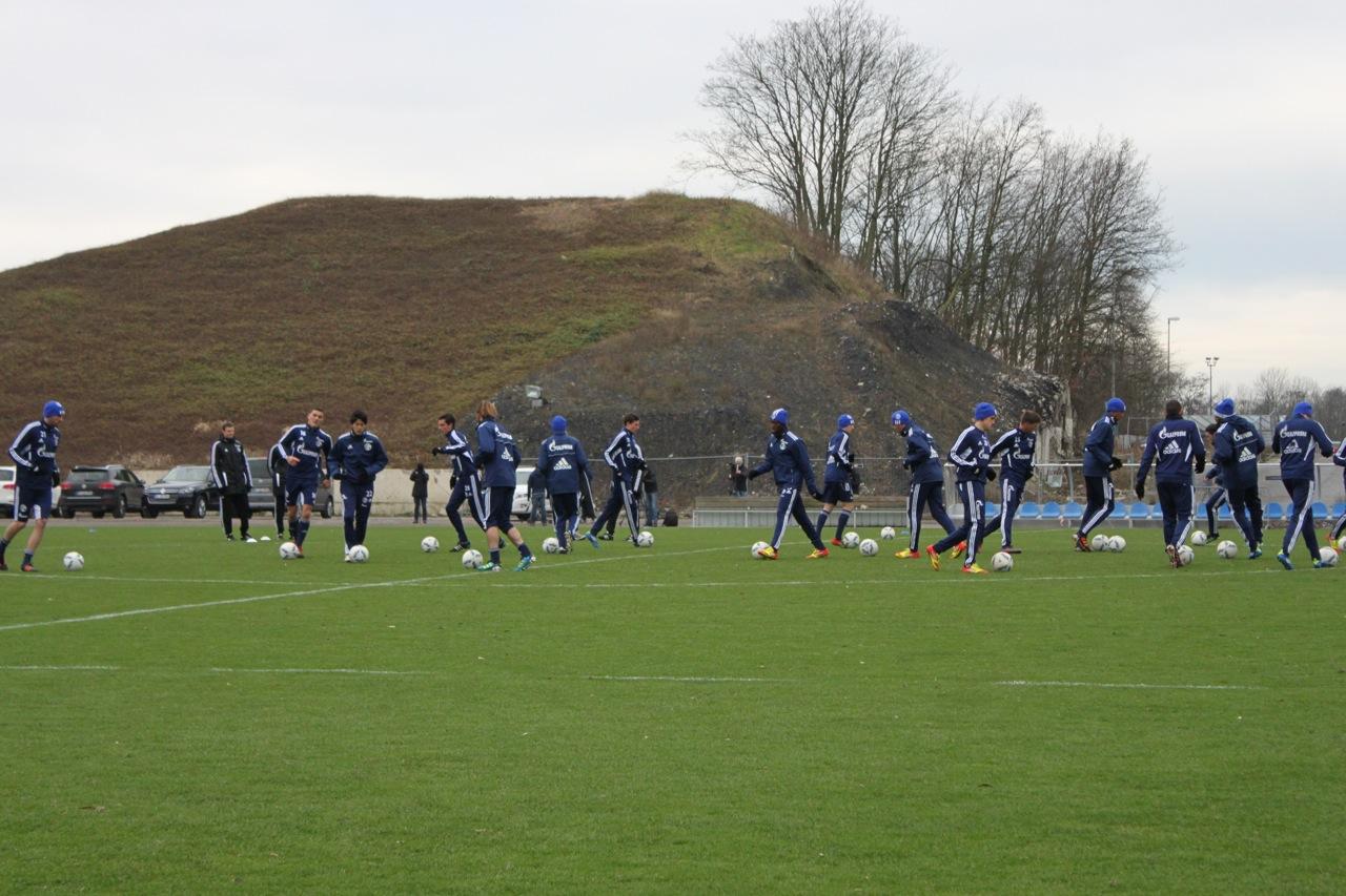 Vorbereitung von Schalke auf Koeln-Spiel