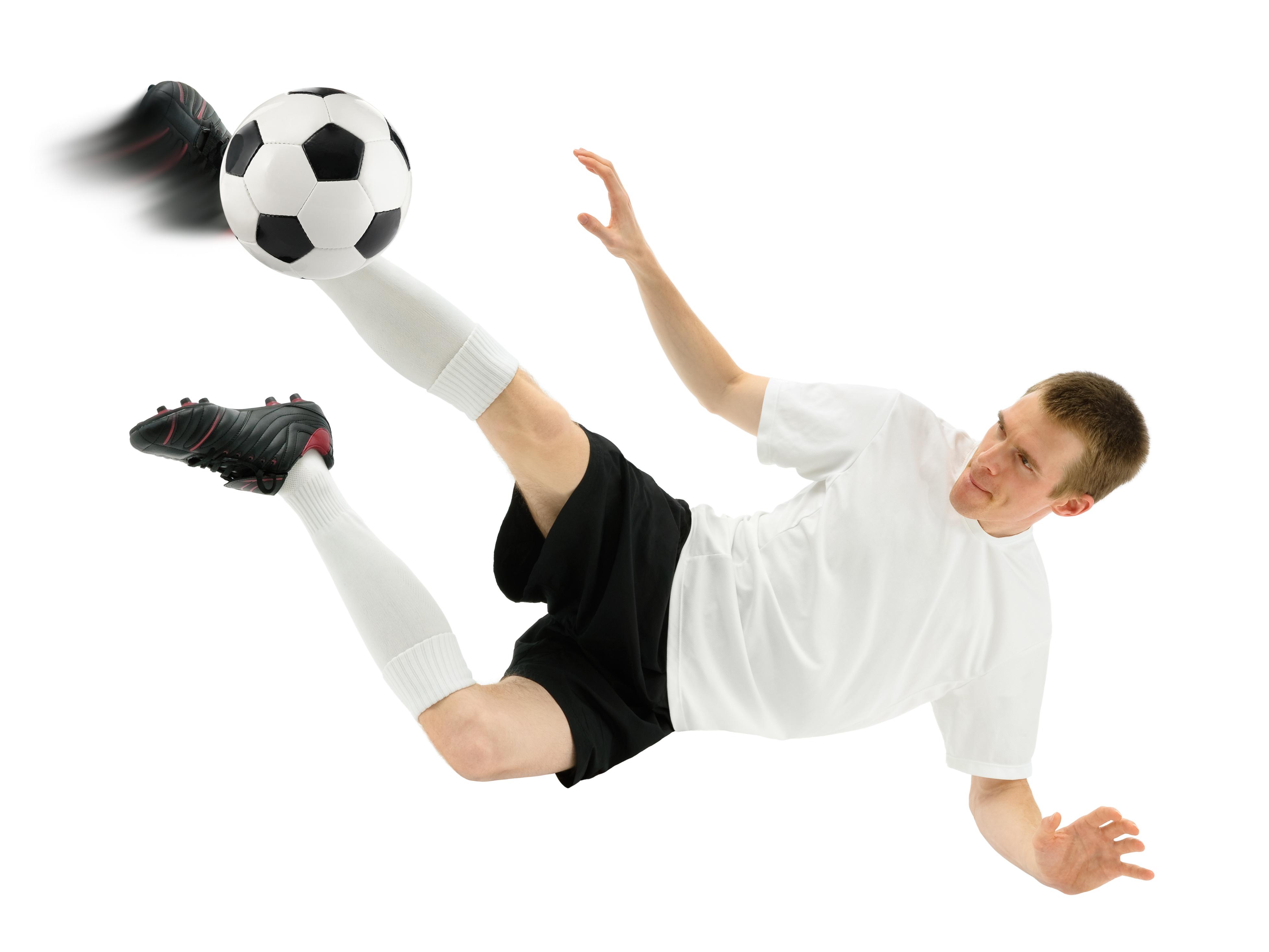 Fußballer zeigt einen pfiffigen Schuss