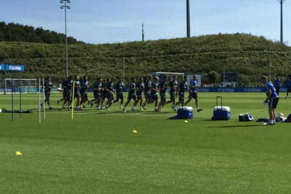 schalke_training_erwaermung