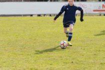 Kind Ball am Fuß Sprint Vorschau