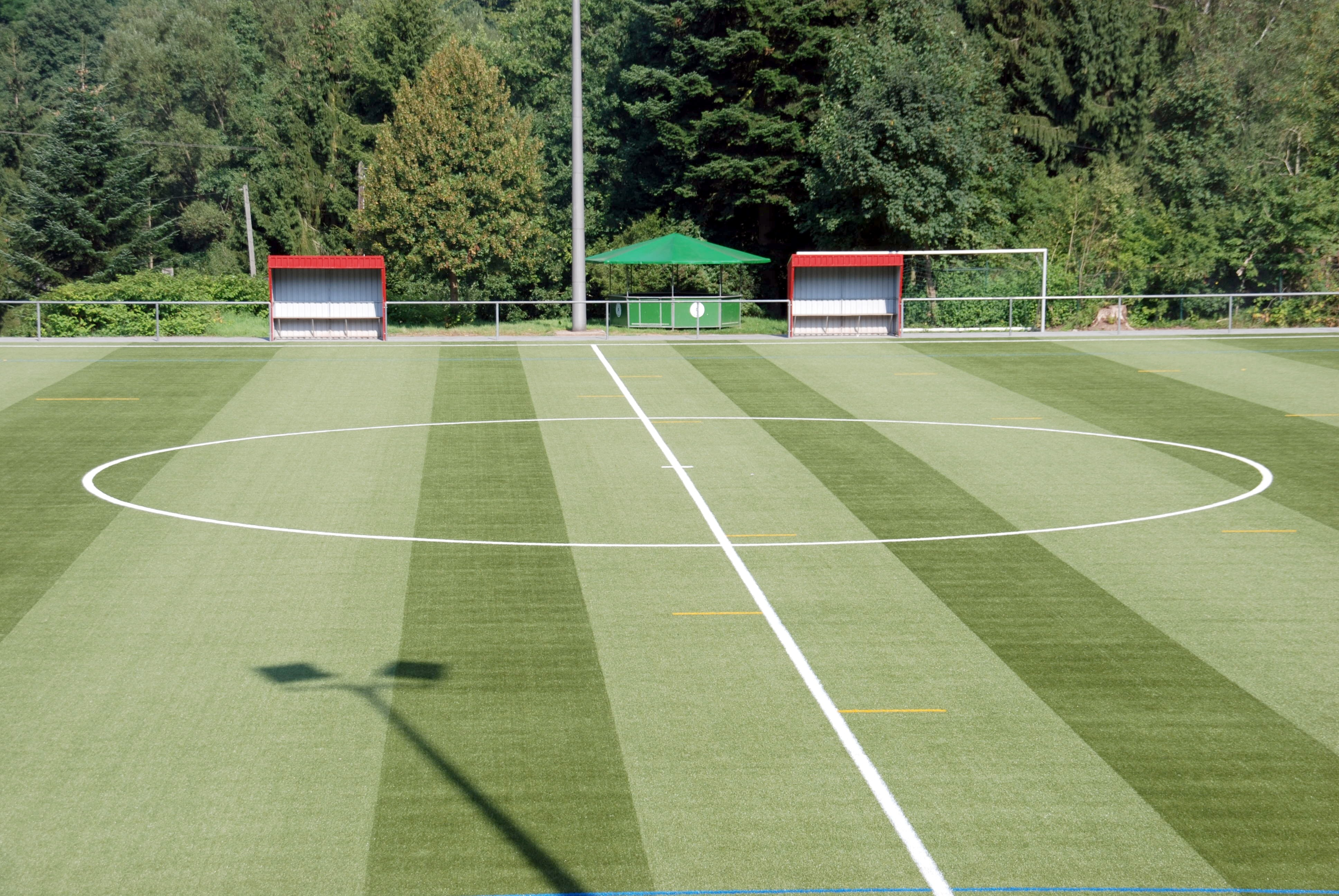 Fussballfeld, Manschaften