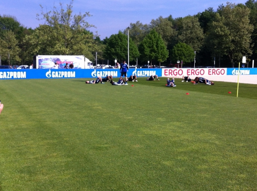 stretching_training_schalke_dehnung