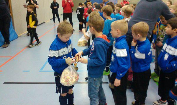 Viel Spaß mit Medaillen und Popcorn! (Foto: Uwe Jansen)