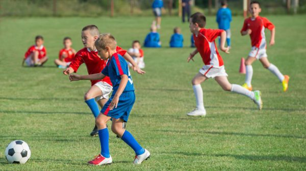 Kinder im Fussball