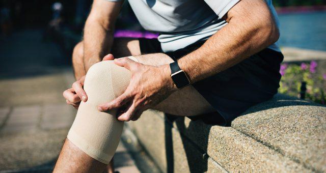 Sportverletzung mit Wärme behandeln oder kühlen? Machs richtig!