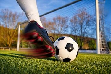 Was sind die richtigen Fussballschuhe für dich?