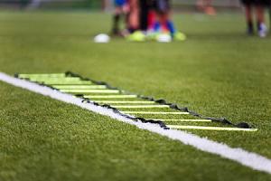 Die Koordinationsleiter als Teil eines guten Fußballtrainings
