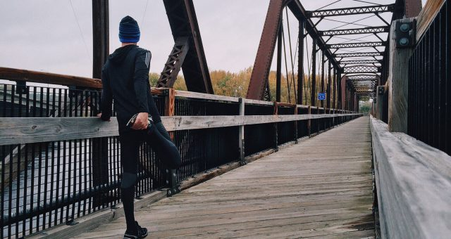 Oberschenkelmuskulatur dehnen – so machst du es richtig!