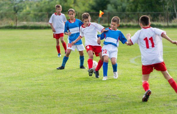 Kinder Fussball - 3er Kette üben