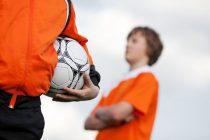 Aggressivität im Fußball und wie das Verhalten eingeschränkt werden kann.